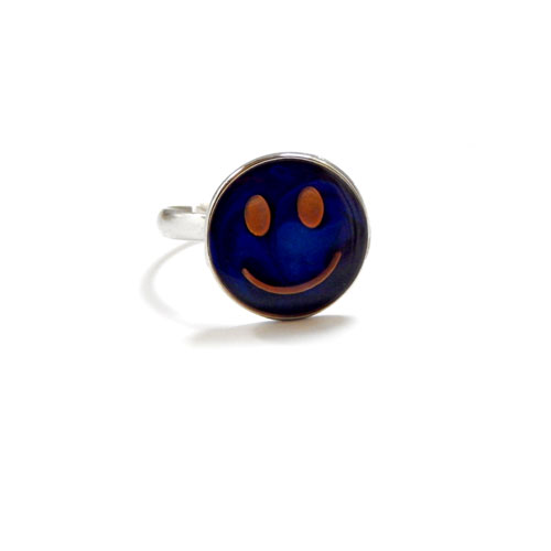 Smiley Color Changing Ring