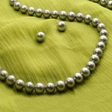 Chic Grey Pearls Necklace And Earrings Set