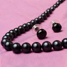 Black Orient Pearls Necklace And Earrings