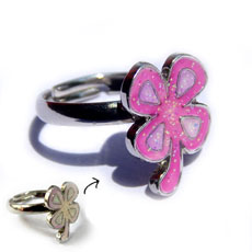Clover Leaf Color Changing Ring